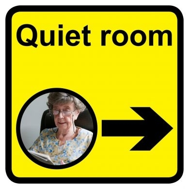 Quiet Room Sign With Right Arrow 300mm X 300mm