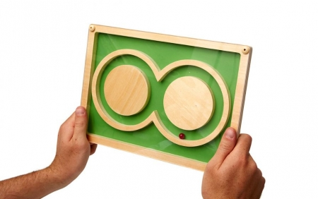 Infinity Maze Puzzle for People with Dementia